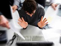 Laut einer Umfrage haben Angestellte immer weniger Platz