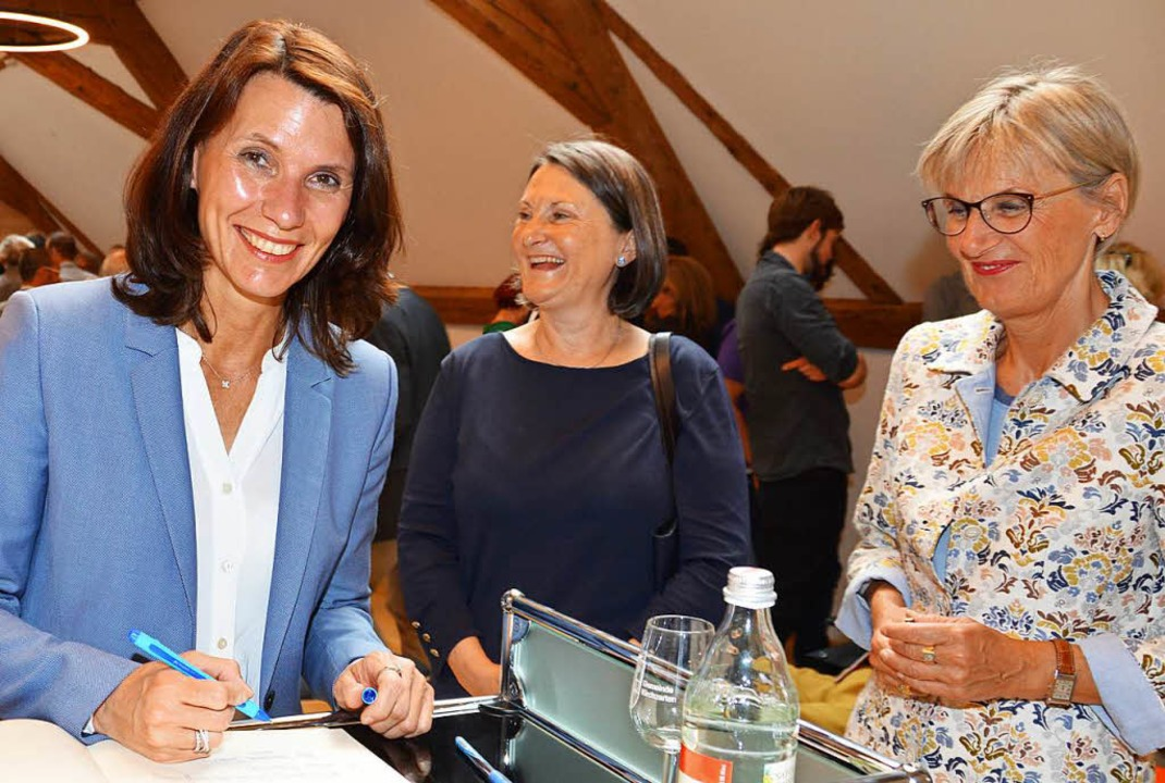 Politische Frauenpower mit Rita Schwar... und Dorothea Störr-Ritter (von links)  | Foto: Gerhard Lück