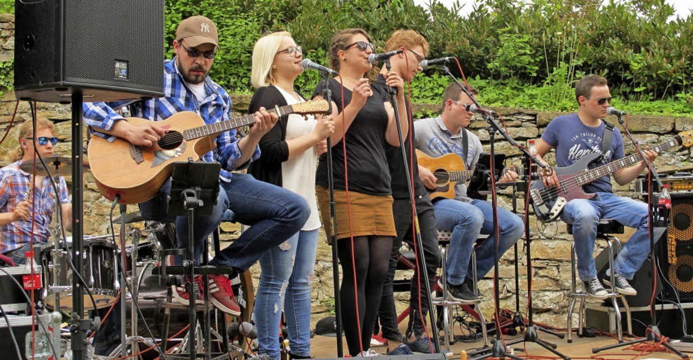 Eine klasse Vorstellung mit alemannischen (Rock-) Songs gab es von Pocket Rock.    Foto: Jutta Schütz