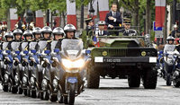 Emmanuel Macron wurde am Sonntag mit viel Pomp in sein Amt als französischer Präsident eingeführt