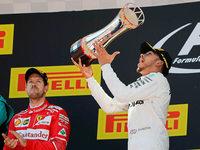 Lewis Hamilton triumphiert in Barcelona über Sebastian Vettel