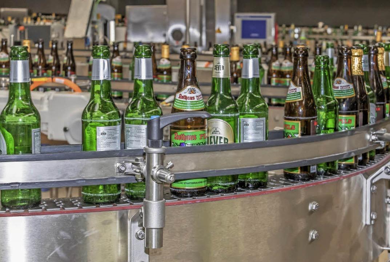Fremdflaschen werden vollautomatisch aussortiert.  | Foto: Wilfried Dieckmann