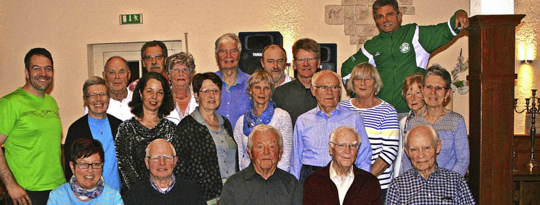 Die Geehrten freuen sich über die Anerkennung des  Denzlinger Turnvereins.   | Foto: Anja Kunz