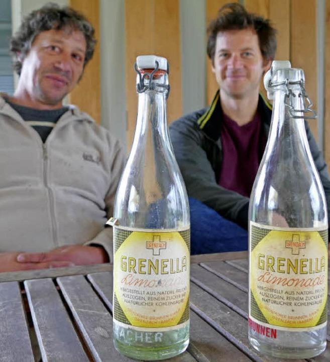 Peter Weber (links) und Georg Dettweil...auptzutat Grenzacher Wasser enthielt.   | Foto: Ralf H. Dorweiler