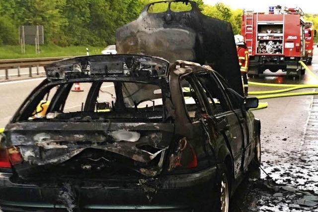 Fahrzeugbrand auf der Autobahn A5