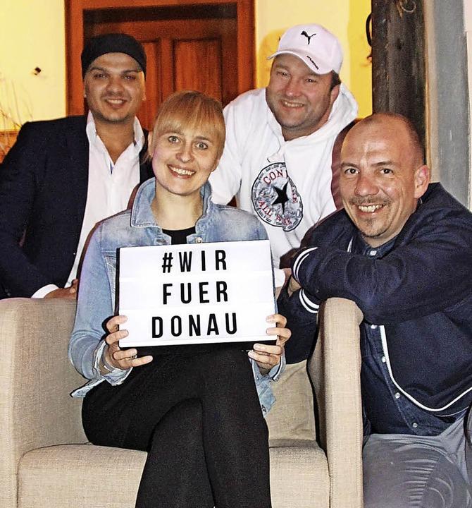 Wir für Donau: DJ Jay Jones (von links...n Standort Donaueschingen zu stärken.     Foto: Stephanie Jakober