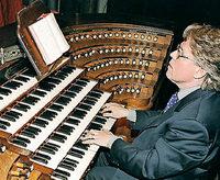 """""""Musique à St. Sulpice"""": Daniel Roth (Orgel) und das John-Sheppard-Ensemble in der Freiburger Herz-Jesu-Kirche"""