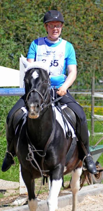 Tatjana Raible auf der Reitsportanlage...Special -Olympics-Weltspiele in Athen.    Foto: Ralf Burgmaier