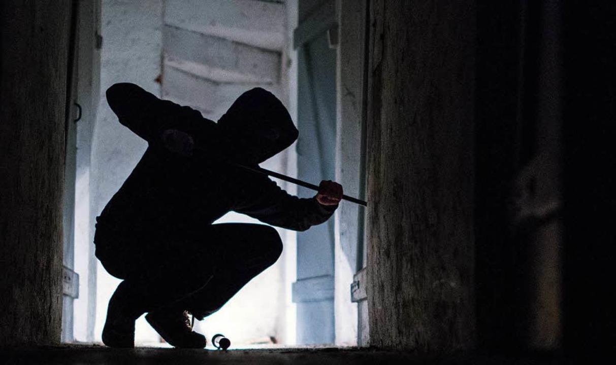 Ein Einbrecher hat eine Spielothek bei Tegernau aufgebrochen.   | Foto: dpa
