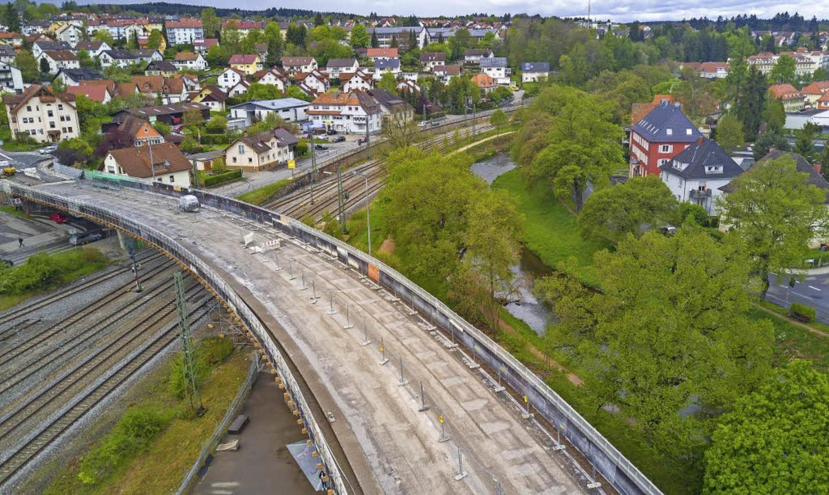 Blick auf die Schellenbergbrücke beim ... zum 19. Oktober grundlegend saniert.   | Foto: Rolf Wetzel