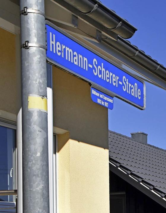 Seite 2014 erinnert eine Straße an den berühmten Sohn Rümmingens.  | Foto: Horst Donner