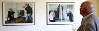 Als Pop-Papst Andy Warhol mit der Polaroid die Verlegerfamilie Burda besuchte