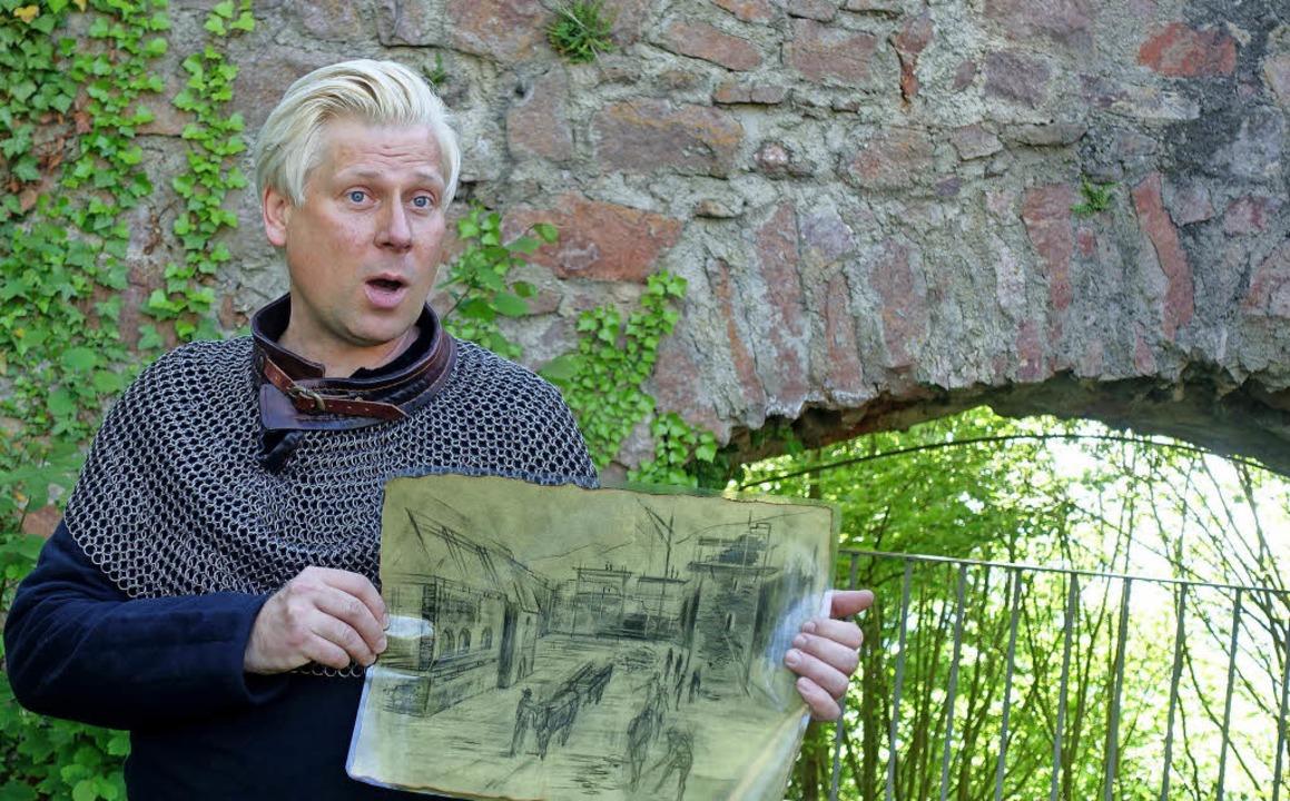 In der Rolle des Markgrafen Wilhelm vo...rung zur Sausenburg viel zu erzählen.   | Foto: Roswitha Frey