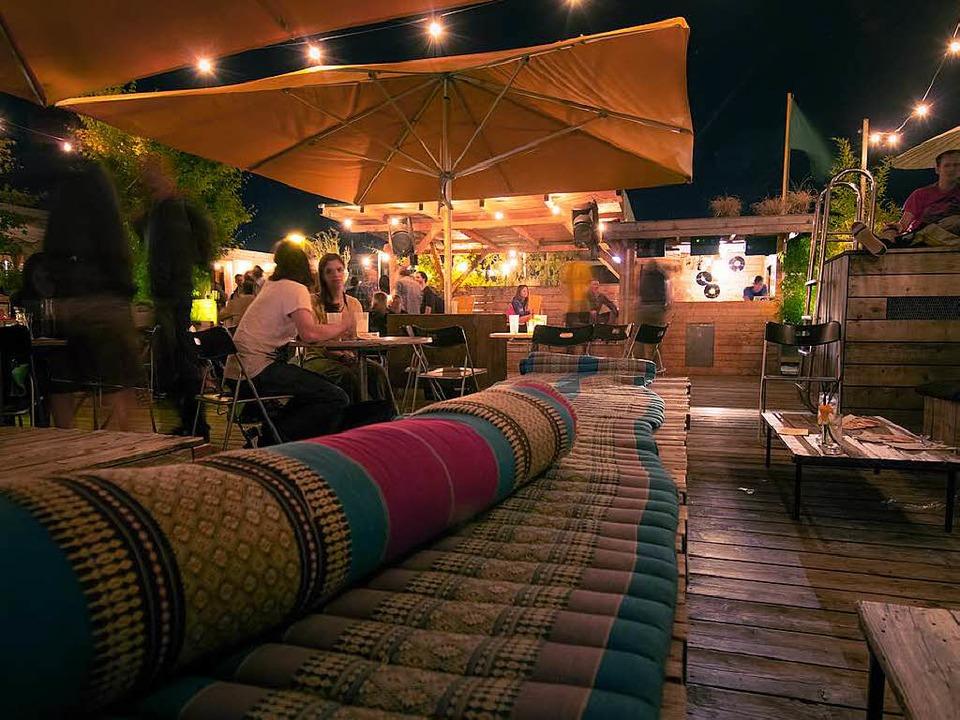 Auf der Dachterrasse der Hinterhof Bar.  | Foto: Promo