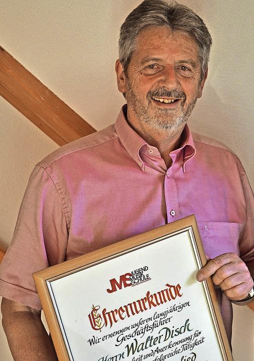 Walter Disch ist seit 1980 Geschäftsfü...S und wurde zum Ehrenmitglied ernannt.  | Foto: Liane Schilling