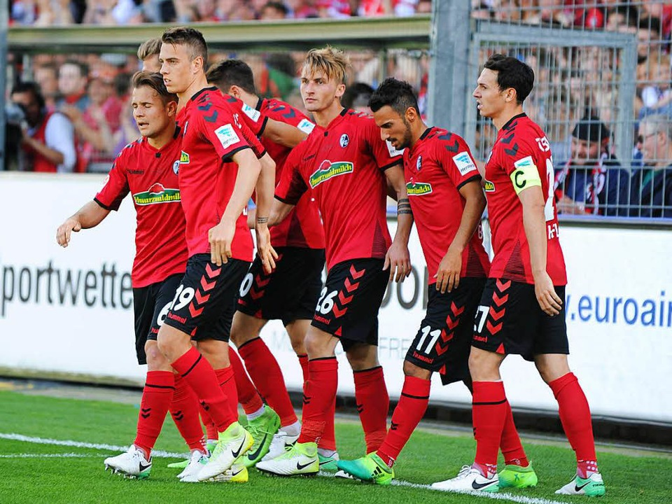 Durchmarsch nach Europa? Ganz so einfach ist es für den SC Freiburg nicht.  | Foto: Meinrad Schön