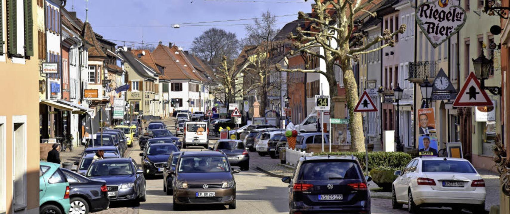 Die Zukunft der Kenzinger Innenstadt w...her Tim Lehmann auf Einladung der CDU.  | Foto: Archivfoto: Gollrad