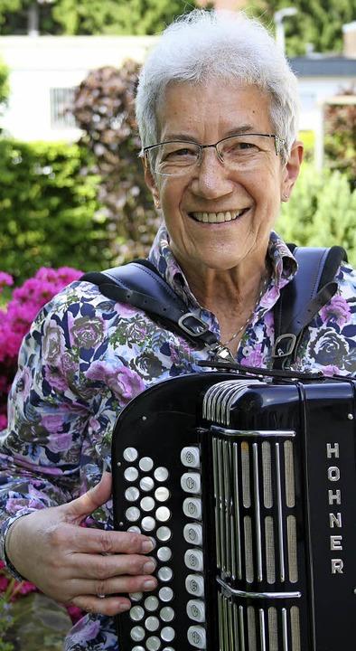 Gehören zusammen: Helene Blumenstein und ihr Instrument.  | Foto: A. Kunz
