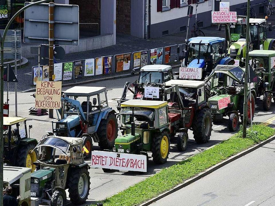 Kundgebung der Bauern in Freiburgs Stadtmitte  | Foto: Thomas Kunz