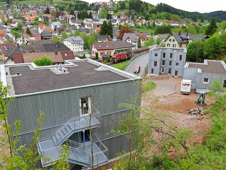 Diese Wohnhäuser mit 60 Plätzen  für g... Schützenstraße soll bald fertig sein.  | Foto: Peter Stellmach