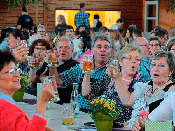 Beim Rettichfest des Musikvereins Öflingen sind nicht nur Freunde des scharfen Gemüses auf ihre Kosten gekommen.