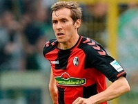 Julian Schuster verlängert Vertrag beim SC Freiburg
