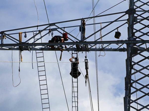 Die Arbeiten auf Bonndorfer Gemarkung an der Stromtrasse Villingen/Gurtweil kommen gut voran.