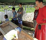 Begraben in einem Totenbaum