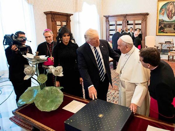 Papst Franziskus hat US-Präsident Donald Trump und seiner Familie am Mittwoch zu einer Privataudienz empfangen.