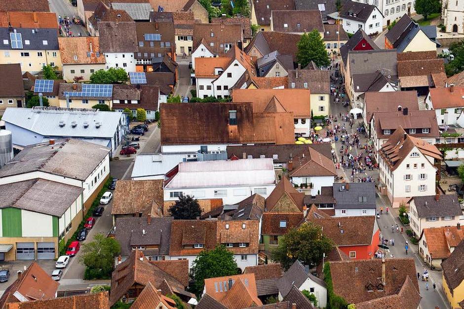 Vermutlich ein neuer Rekord: Rund 30 000 Besucher ließen es sich beim Gutedeltag gut gehen. (Foto: Matthias Weniger)