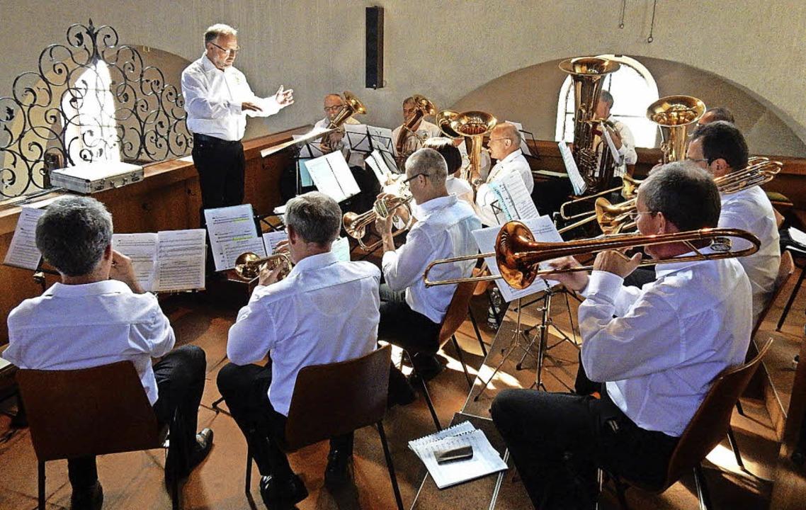 Aus den fünf Musikvereinen rund um den...tgottesdienst musikalisch gestalteten.  | Foto: Kurt Meier