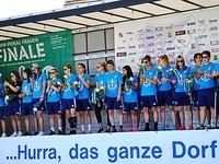DFB-Pokal-Heldinnen vom SC Sand werden daheim  gefeiert