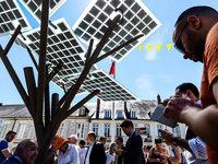 Schatten, Strom, Licht: Europas erster eTree eingeweiht