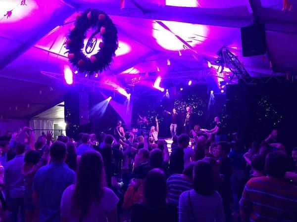 Das Konzert der Gruppe Shark am Freitag auf dem Fest des Musikvereins Urberg war ein voller Erfolg.