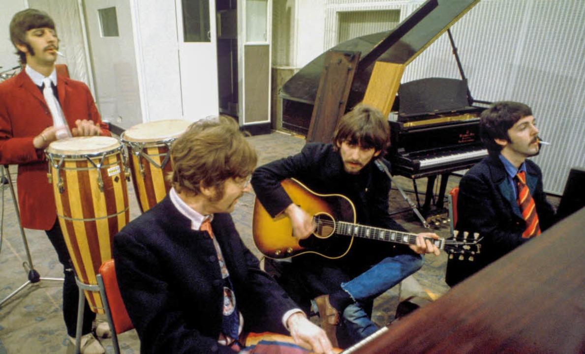 Das Studio als Experimentierlabor: die Beatles bei den Aufnahmen   | Foto: apple corps