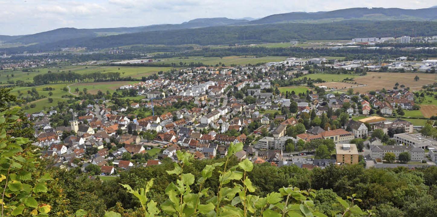Blick vom Rappenfelsen, dem künftigen Grabbestei, auf Herten und Umgebung   | Foto: Heinz Vollmar