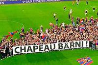 Mitten im Spiel: Kurioser Platzsturm beim FC Basel