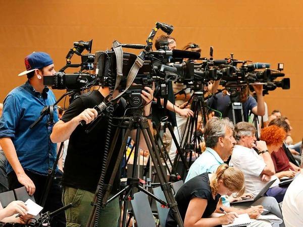 Pressekonferenz der Polizei in der Endinger Stadthalle
