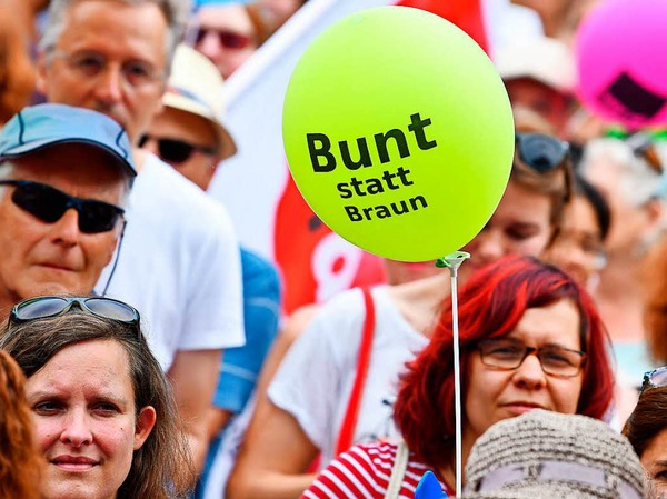Demonstration gegen Rechtsextremismus in Karlsruhe.