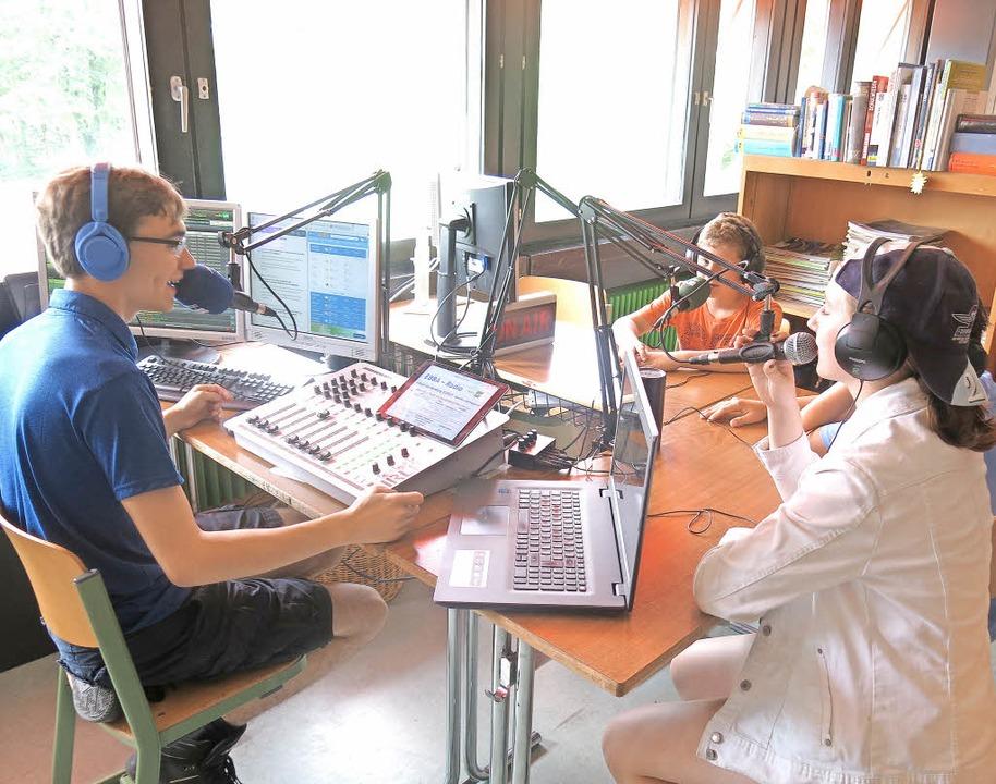 Das Radioteam von EBBA bei der Arbeit  | Foto: Georg Voß