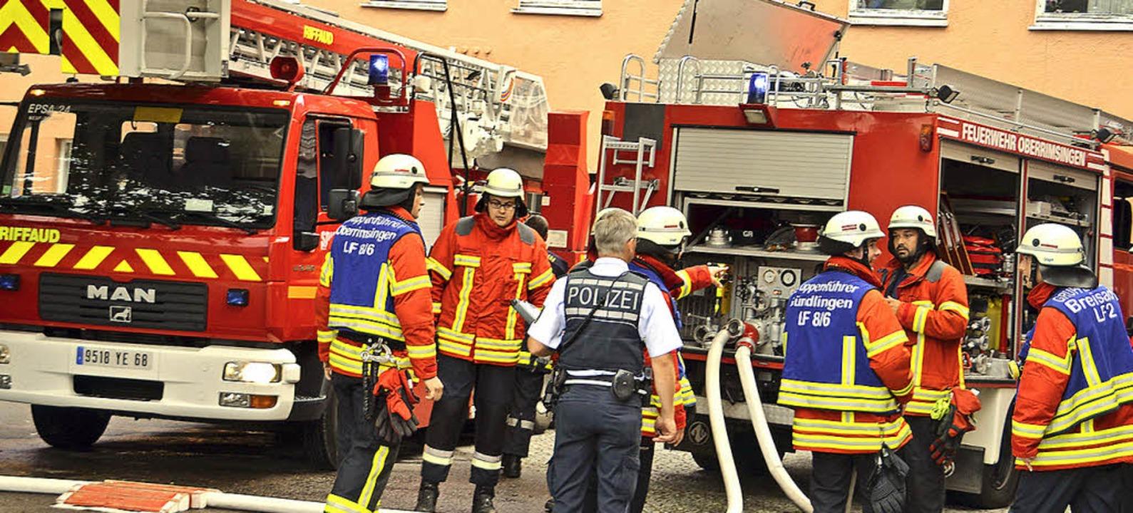 Auch die Drehleiter aus Neuf-Brisach k...am Breisacher Krankenhaus zum Einsatz.  | Foto: Hans-Jochen Voigt