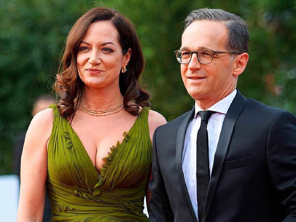 Glamour-Paar: Schauspielerin Natalia W... Verleihung des Deutschen Filmpreises   | Foto: dpa