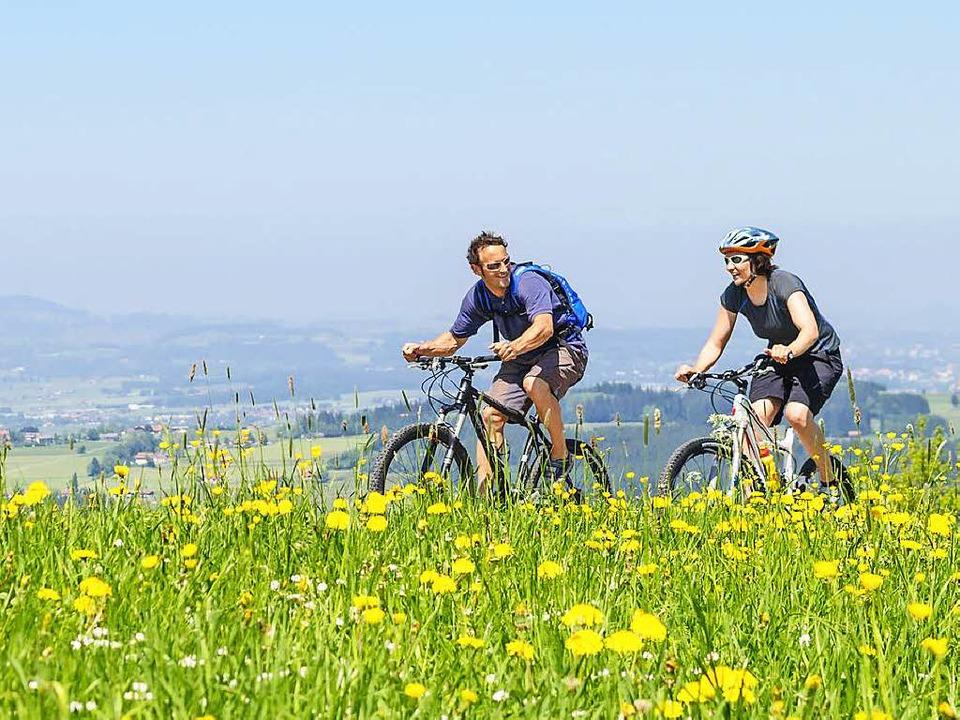 Das Sommerwetter bietet sich an, mit dem Fahrrad in der Natur unterwegs zu sein.    Foto: Alexander Rochau