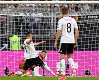 Sandro Wagner feiert mit drei Treffern ein furioses Tordebüt