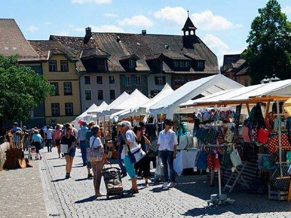 Kunst traf Handwerk in Laufenburg, zudem war verkaufsoffener Sonntag - fotografiert von Maria Schlageter