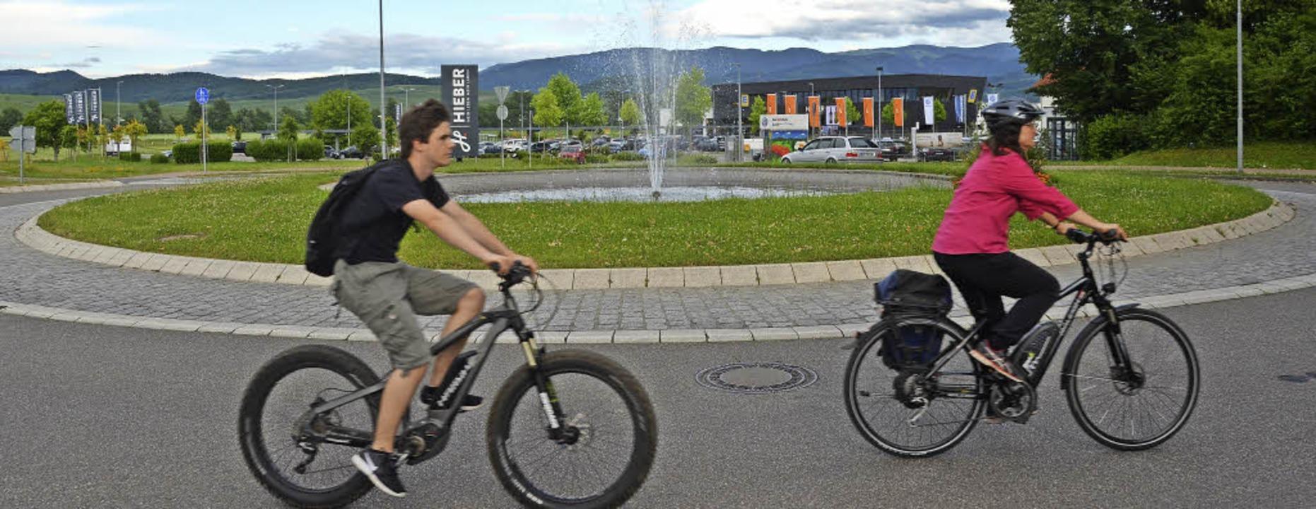 Kreisverkehr VI beim Hieber Ortseingang Bad Krozingen  | Foto: Sebastian Krüger