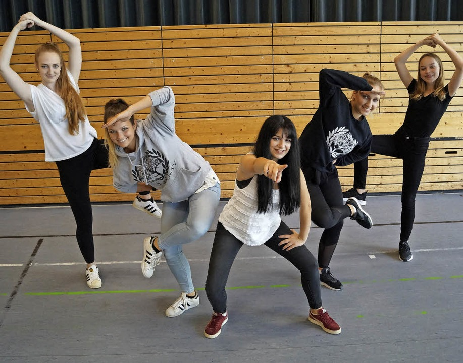 Sie treten beim Dance World Cup in Off... Tanzsportclub Schwarz-Weiß Offenburg.    Foto: Christine Storck