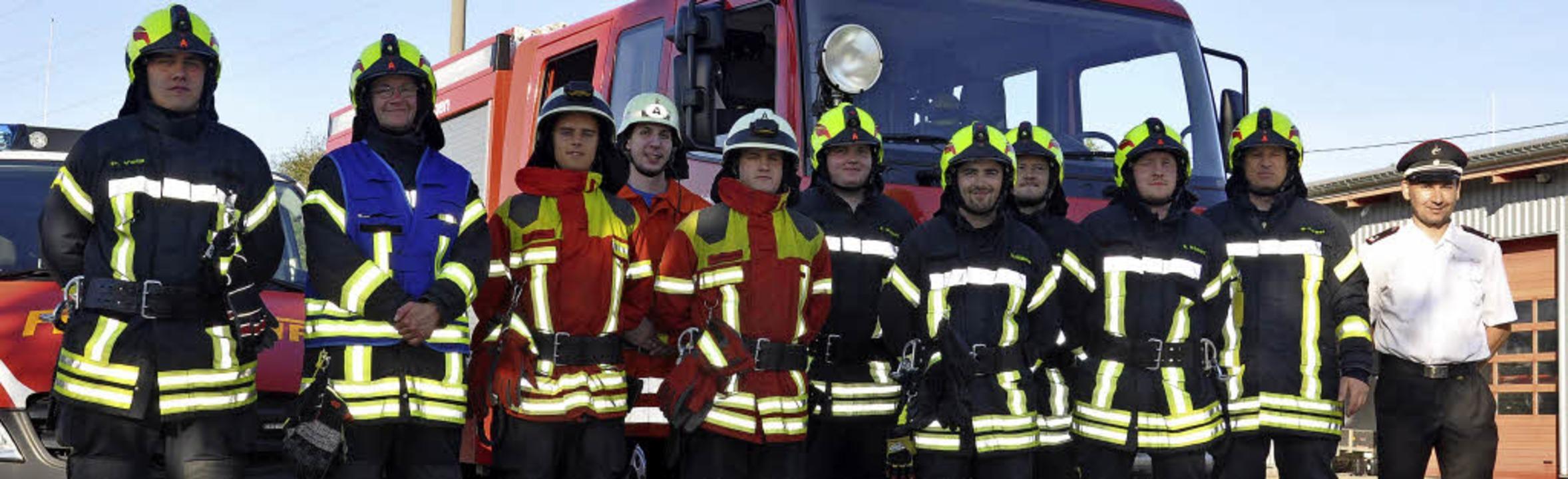 Feuerwehrleute aus Wittlingen, Binzen ...stungsabzeichen der Feuerwehr erringen  | Foto: Jutta Schütz
