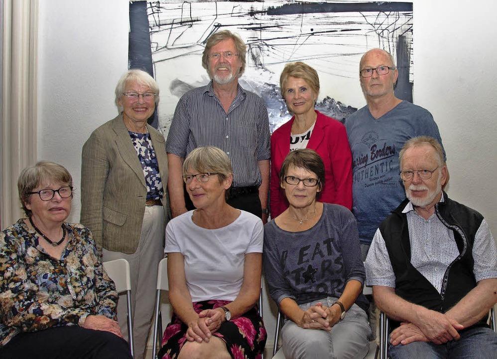 Der neugewählte Vorstand: Brünhild Zin...nd Volker Lindemann (vorne, von links)  | Foto: Helmut Rothermel
