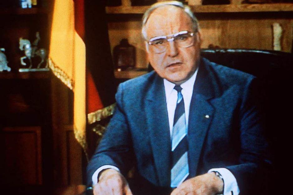 Kohl bei einer der größten Fernsehpannen: In der Neujahrsansprache 1986 wünscht er alles Gute für 1986, nicht 1987. (Foto: Marcus Thelen)